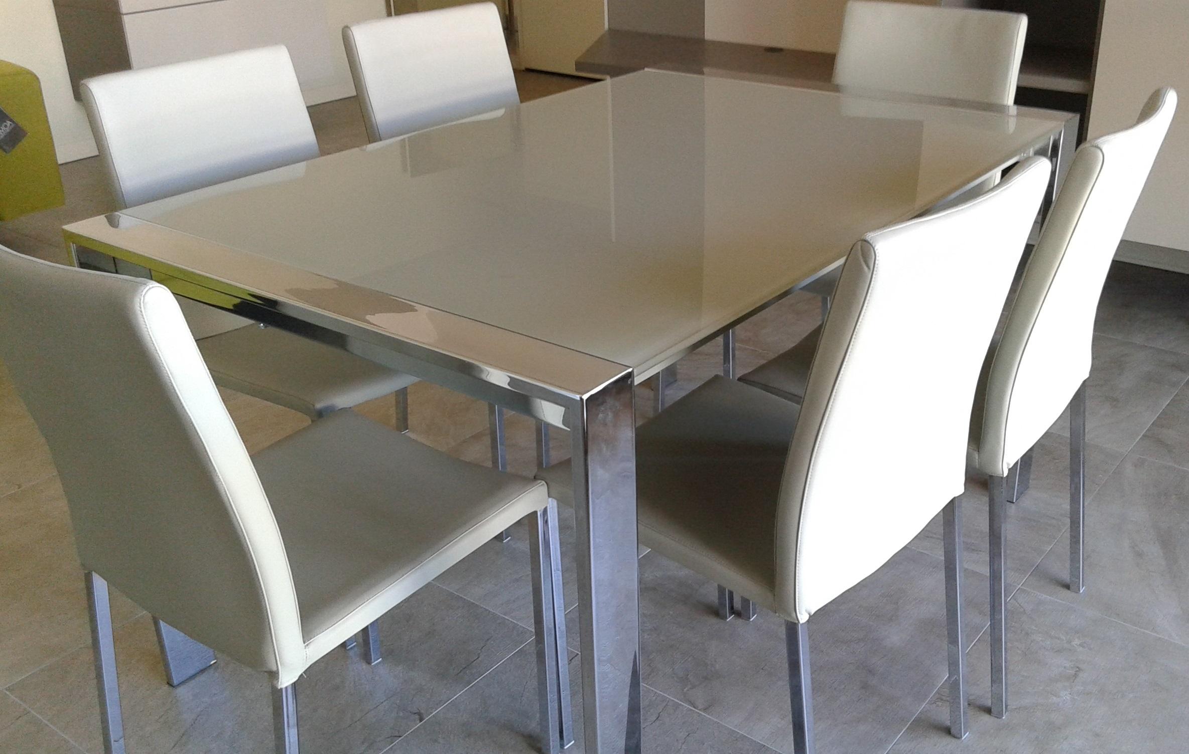 Tavolo allungabile e sedie tavoli a prezzi scontati for Tavoli pranzo cristallo