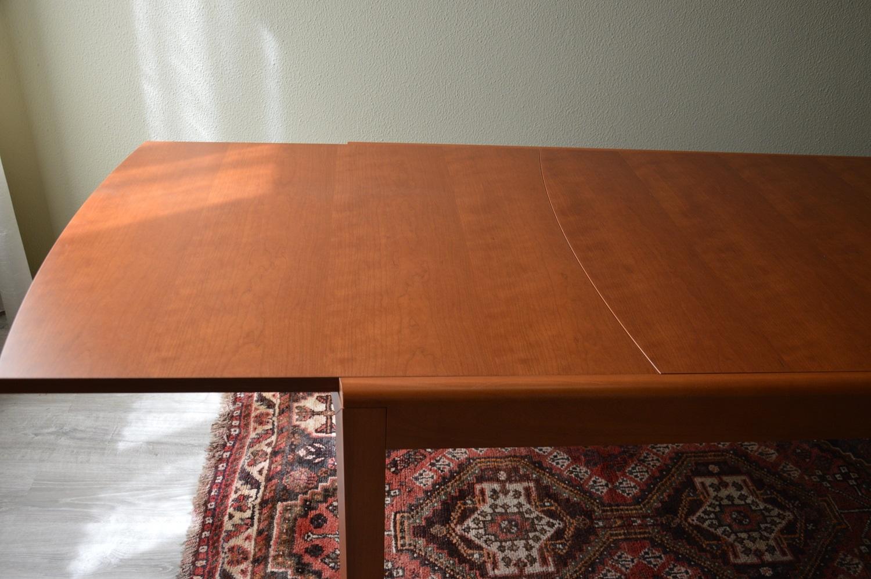 Tavolo estensibile in legno di ciliegio scontato del for Tavolo in ciliegio