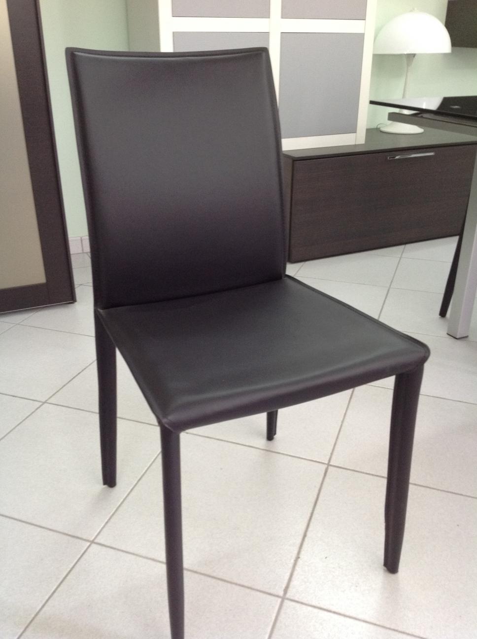 Tavolo allungabile in vetro temperato con 6 sedie in for Tavolo allungabile con sedie a scomparsa