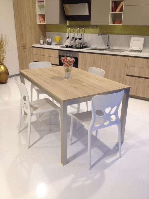 tavolo allungabile con sedie dibiesse scontato del 50% - tavoli a ... - Tavolo Allungabile Con Sedie