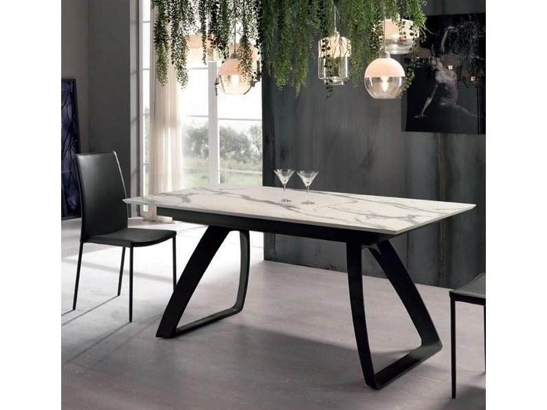 Tavolo allungabile piano in marmo calacatta for La forma tavoli