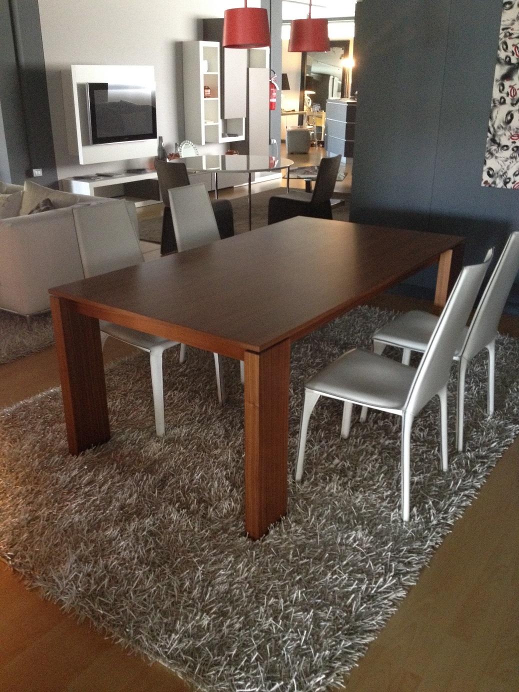 Tavolo allungabile porada scontato del 50 tavoli a for Baxter prezzi divani