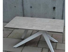 Tavolo allungabile Tavolo allungabile in vetroceramica finitura beton Mottes selection a prezzo scontato