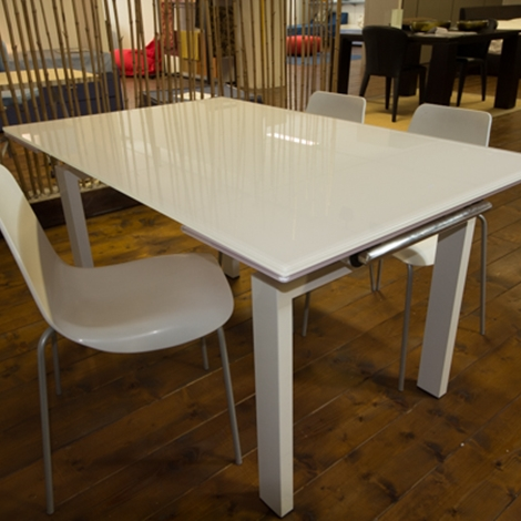 Tavolo allungabile vetro bianco tavoli a prezzi scontati for Tavolo vetro bianco