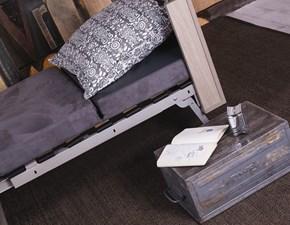 Tavolo Altacom modello Tavoletto. Tavolo che si trasforma in letto con piano in nobilitato orleans sabbia e base verniciato grisou'.