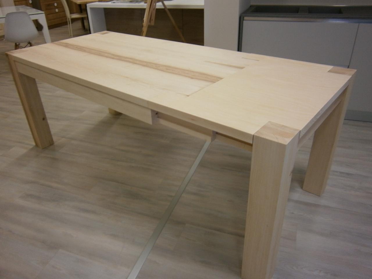 Tavolo frassino scontato del 50 tavoli a prezzi scontati for Tavolo legno frassino