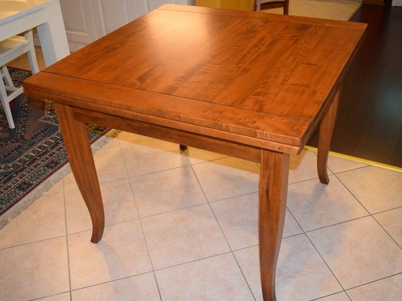Tavolo artigianale in legno massello