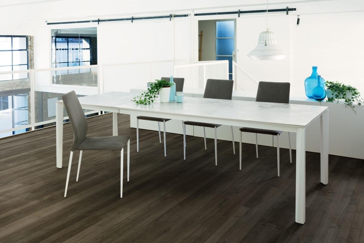 Tavolo bianco piano in ceramica prisma ingenia bontempi - Strato cucine outlet ...
