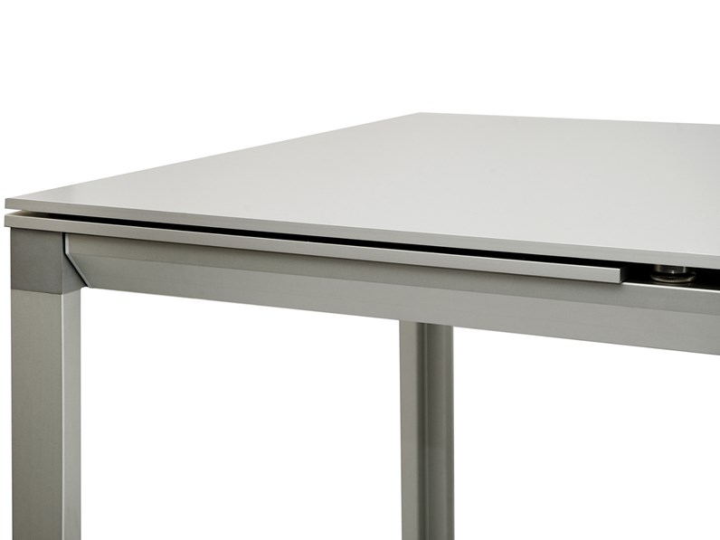 Tavolo Bonaldo modello Chat 165 in alluminio allungabile scontato