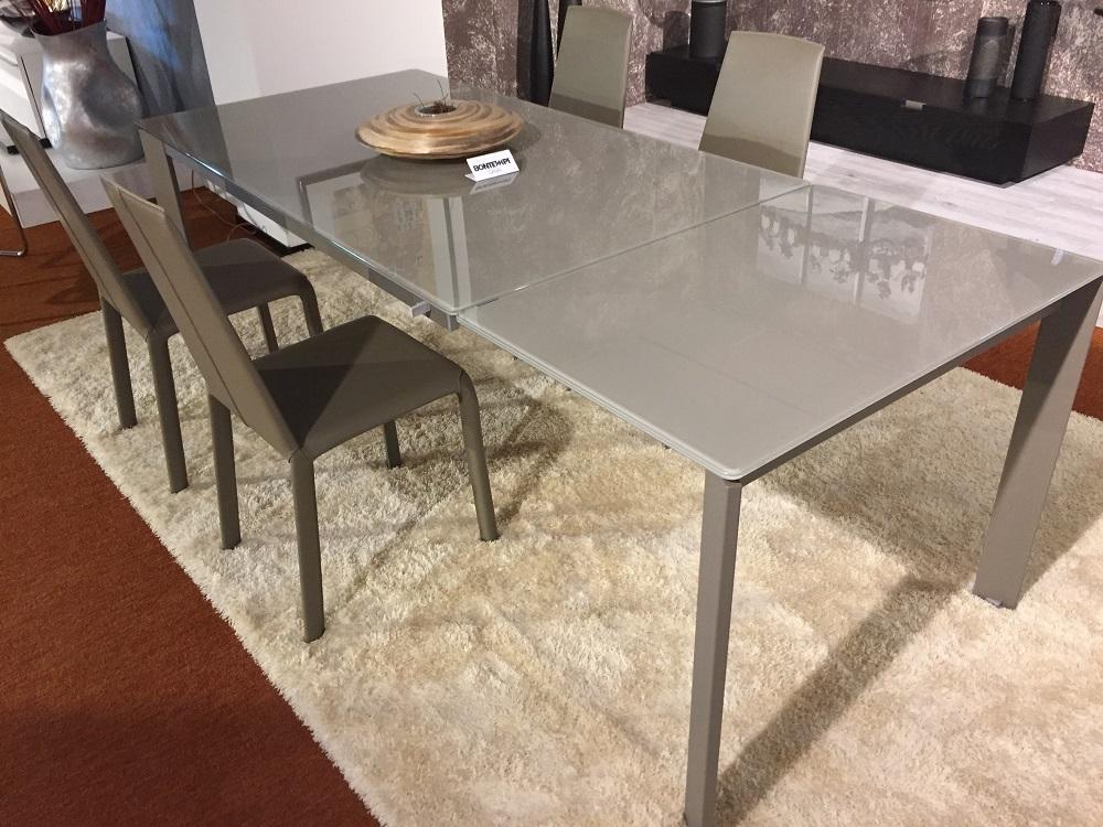 Tavolo a scomparsa con sedie home design e interior for Tavolo allungabile con sedie a scomparsa