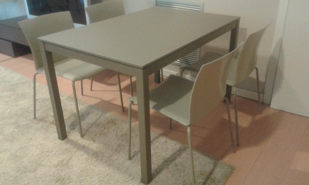 Bontempi casa tavolo modello mago tavoli a prezzi scontati for Tavolo cucina nero