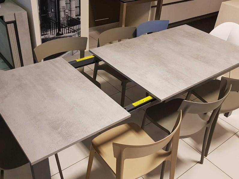 Tavolo calligaris baron prezzi outlet for Outlet tavoli design