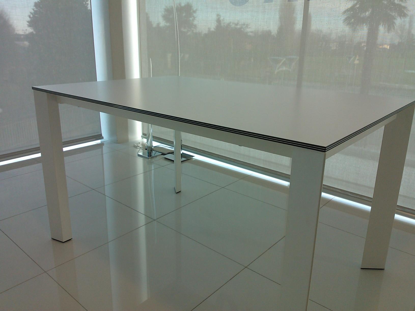 Calligaris tavolo tutto su ispirazione design casa for Tavolo design outlet