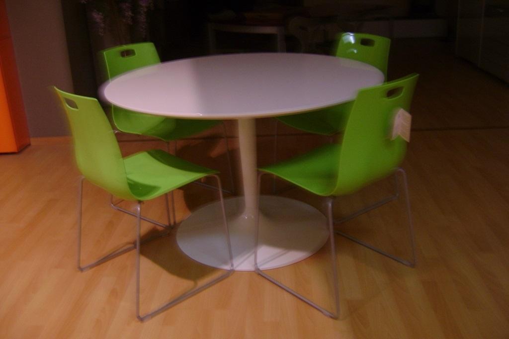 Tavolo rotondo planet calligaris idee per il design for Calligaris tavolo rotondo