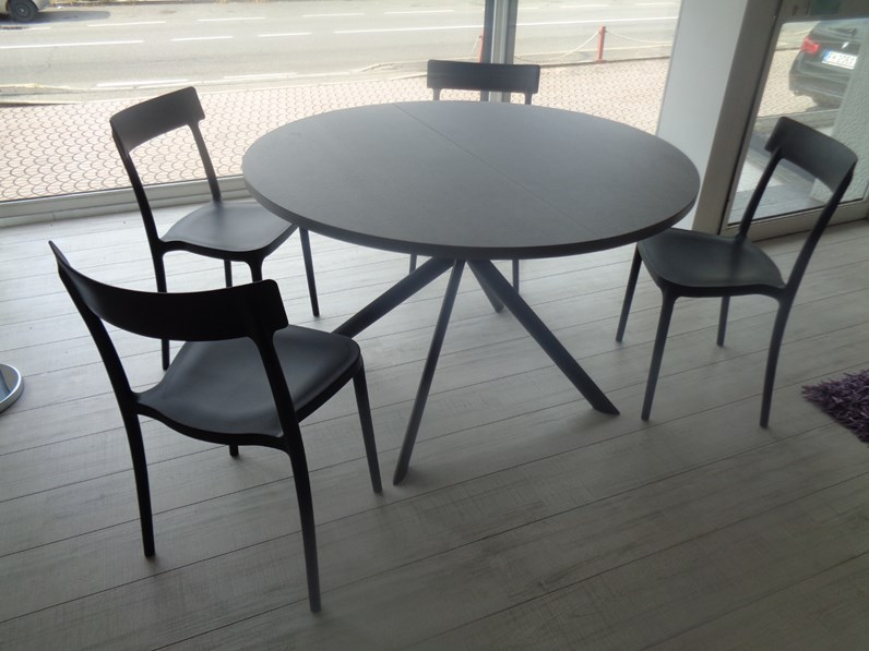 Tavolo calligaris tavolo rotondo giove ceramica scontato 25 - Calligaris tavolo rotondo ...