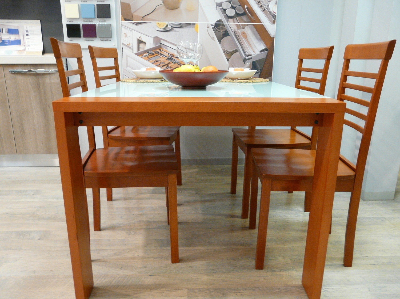Tavolo con 4 sedie 9527 tavoli a prezzi scontati for Tavolo allungabile mondo convenienza