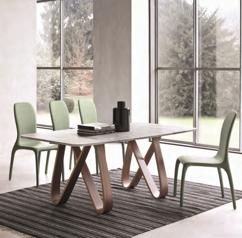 Tavolo con il piano in marmo bianco di carrara tavoli a - Tavolo piano marmo ...