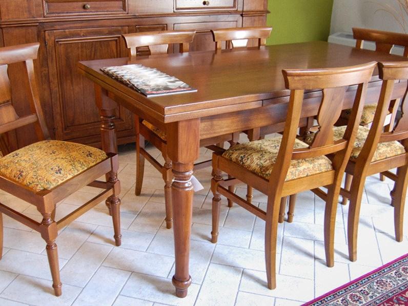 Tavolo con sedie offerta