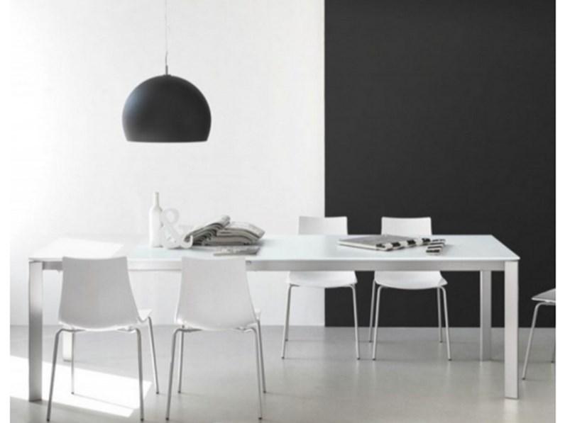 Tavolo connubia modello eminence tavoli a prezzi scontati for Dimensione casa arredamenti