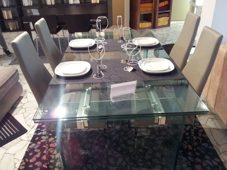Tavolo cristallo allungabile tavoli a prezzi scontati for Tavoli rotondi in vetro allungabili