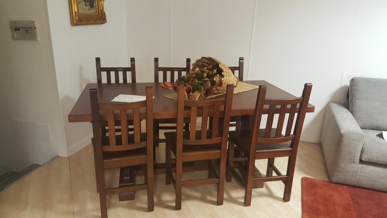 tavolo cucina classico con 6 sedie Tavoli a prezzi scontati
