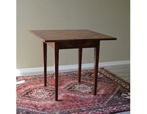 Tavolo da gioco in legno massello di Produzione Artigianale con piano intarsiato. Il piano del tavolo è ripiegabile nei quattro lati. Scontato del -47%.Offerta Outlet Mobilgross