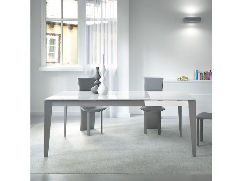 Tavolo design vetro extra chiaro bianco fine serie for Tavolo design outlet