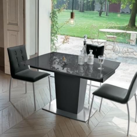 Tavolo di design allungabile in vetro temperato tavoli a for Tavoli rettangolari di design