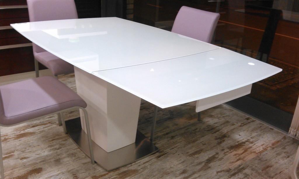 Tavolo di design tavoli a prezzi scontati for Tavoli di design outlet