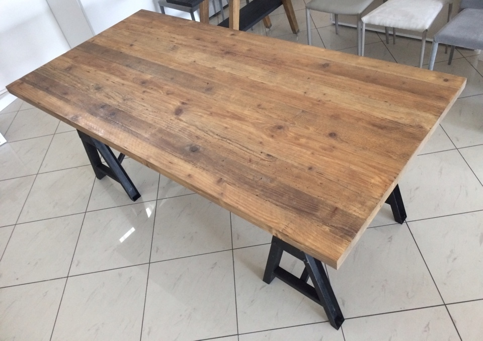 Tavolo dialma brown db 002674 in legno massello riclato e - Tavoli in legno vecchio ...