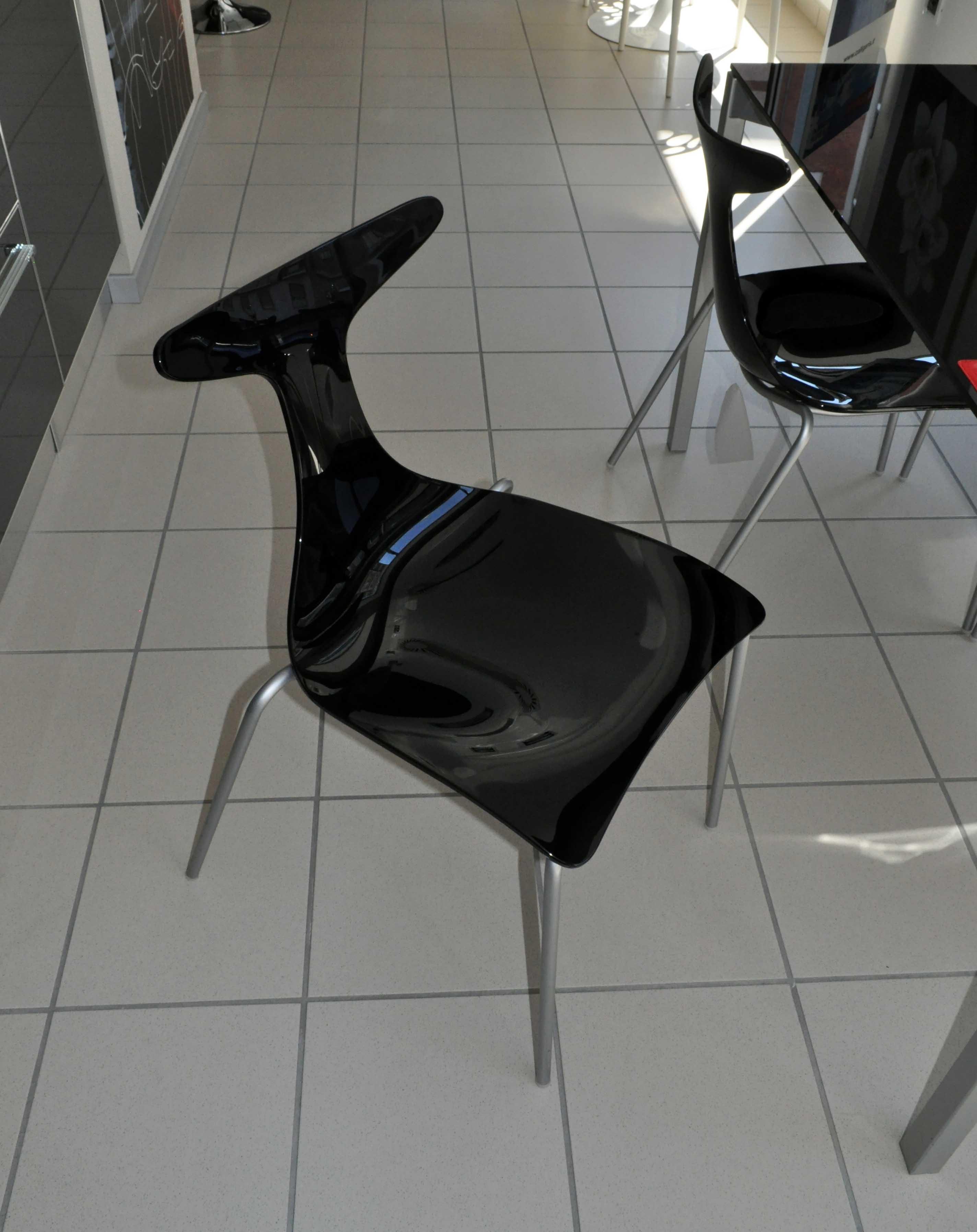 Tavolo e 4 sedie ciacci ideale per cucina o living in for 4 sedie in offerta