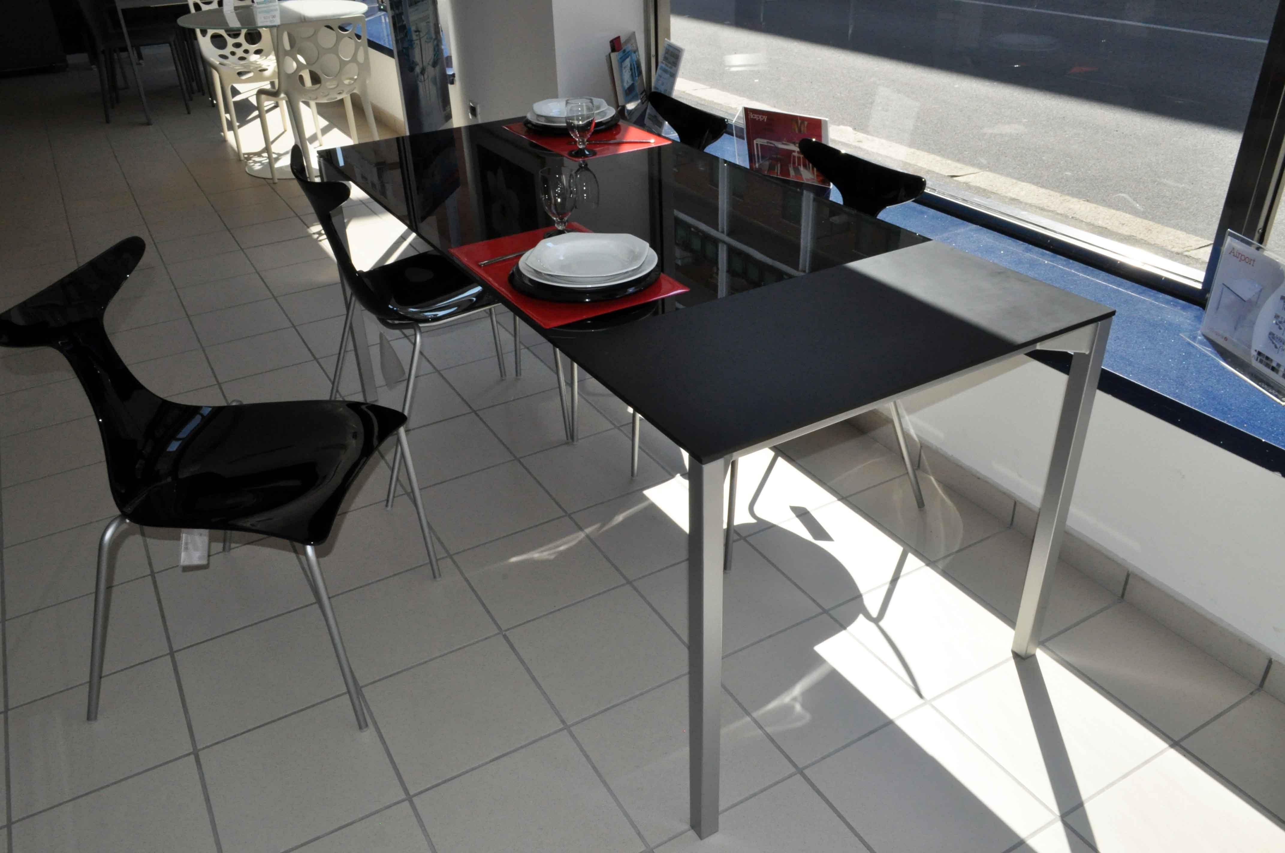 Tavolo e 4 sedie Ciacci ideale per cucina o living in offerta ...