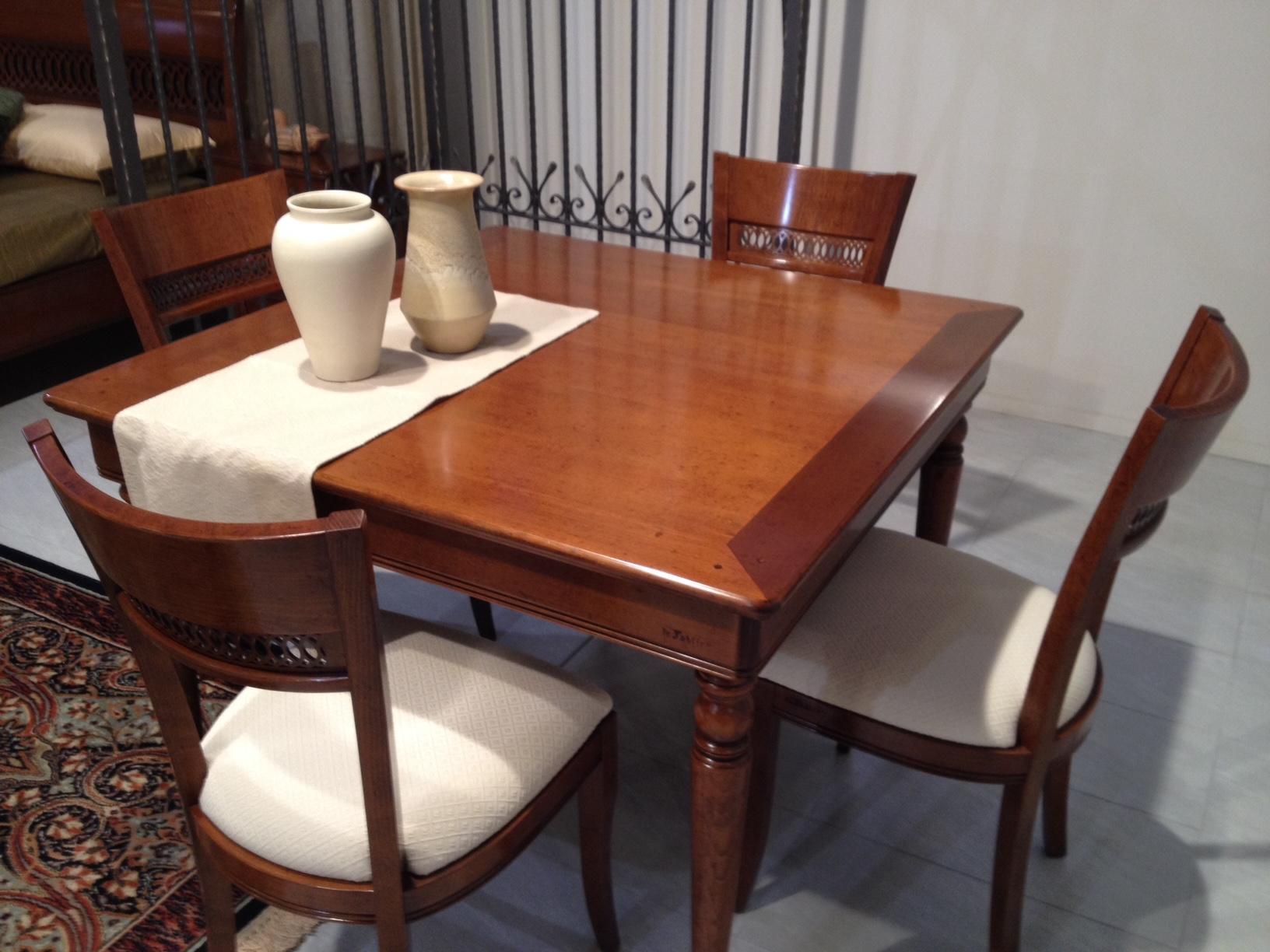 Tavolo e 4 sedie le fablier modello le gemme tavoli a for Tavolo consolle con sedie