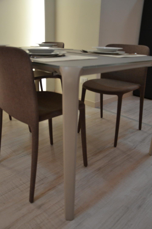 Tavolo e sedie in offerta 5116 tavoli a prezzi scontati for Tavoli in offerta