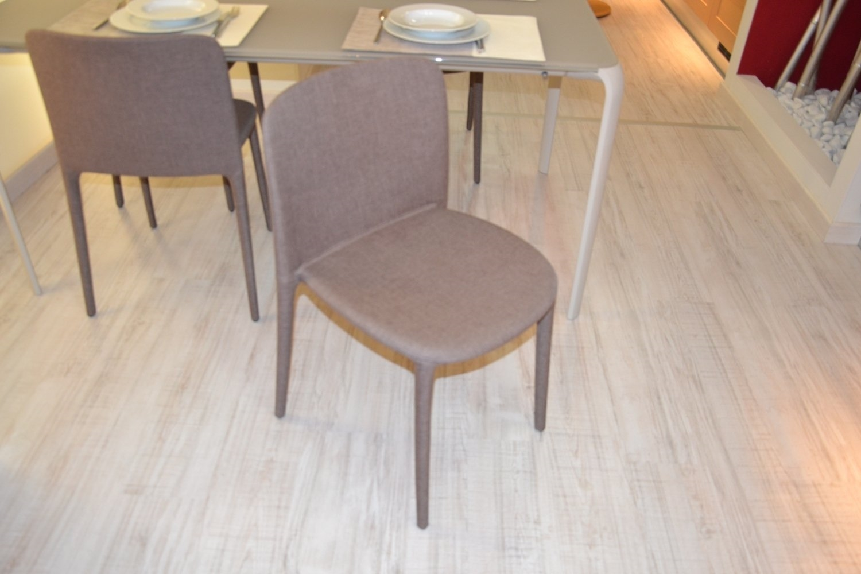 Sedie sala da pranzo offerte design casa creativa e for Offerte tavoli e sedie da esterno