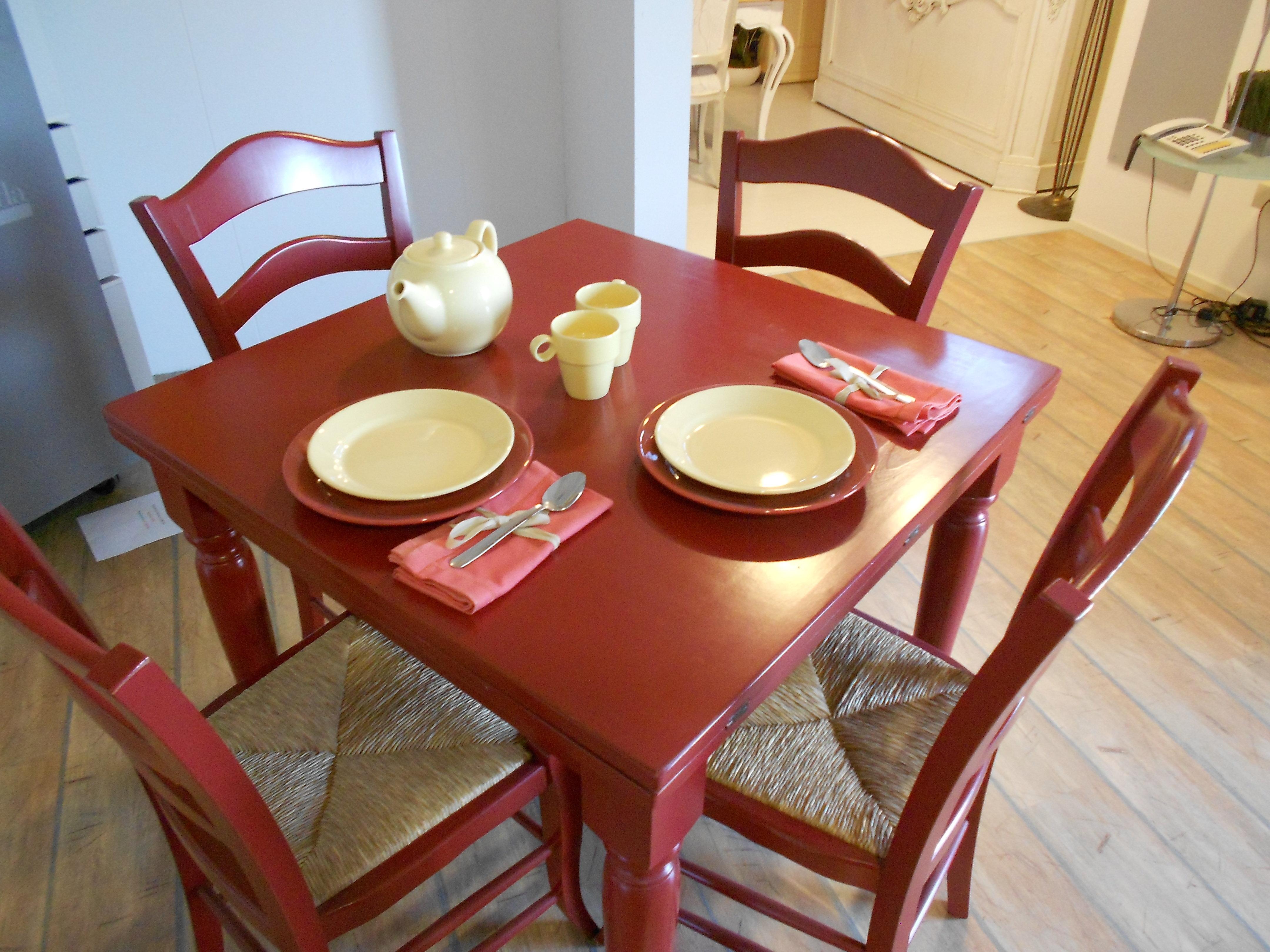 Tavolo e sedie in legno fratelli mirandola scontato del 40 for Tavoli e sedie da soggiorno prezzi