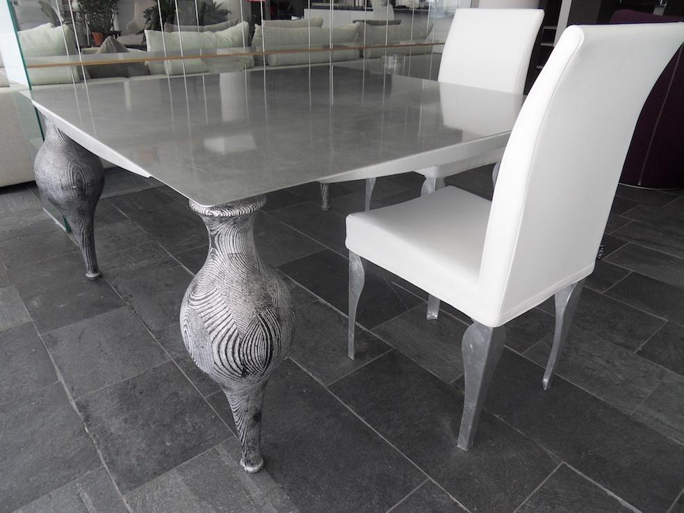 Tavolo Ego Zeroventiquattro quadrato con piano in metallo e gambe in legno scontato - Tavoli a ...