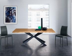 Tavolo Eurosedia modello Mikado. Tavolo con piano fisso impiallacciato in legno rovere e bordo scortecciato.