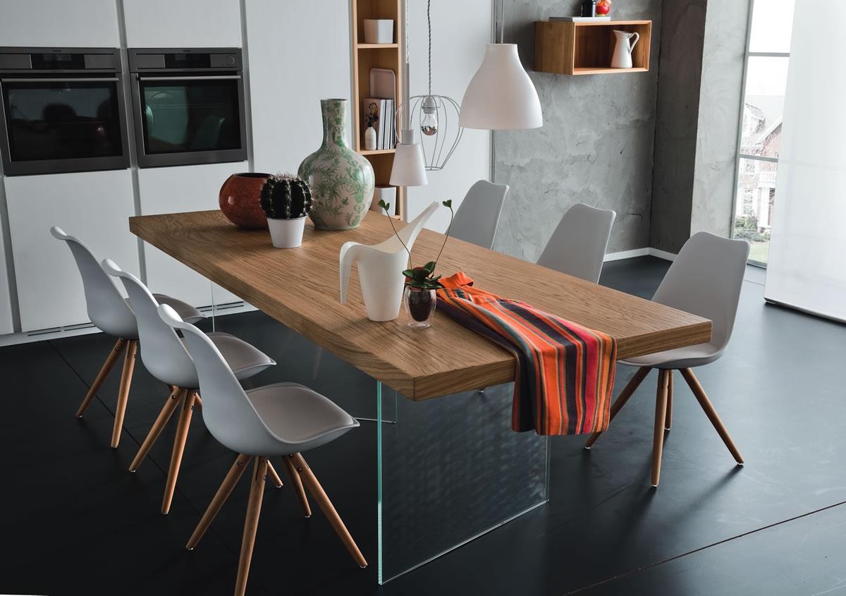 Tavolo fisso nice in rovere e vetro tavoli a prezzi scontati for Tavolo legno con sedie colorate