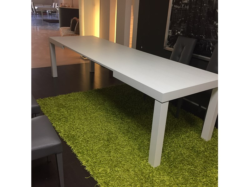 Tavolo giovannetti bridge rettangolari rettangolari for Outlet tavoli moderni allungabili