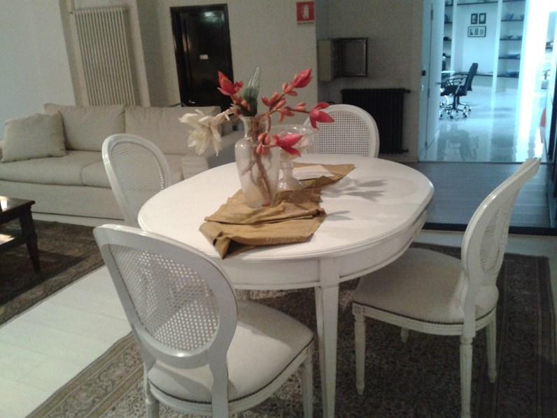 TAVOLO Grande arredo Tavolo ovale con gambe a spillo e n. 4 sedie imbottite SCONTATO 50%