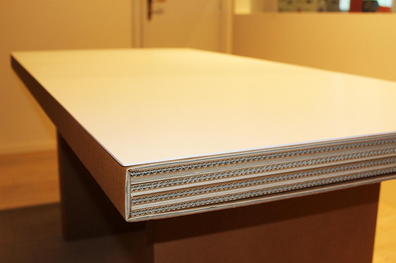 Collezione di cartone by kubedesign idee per il design for Mobili di cartone per squadre di design