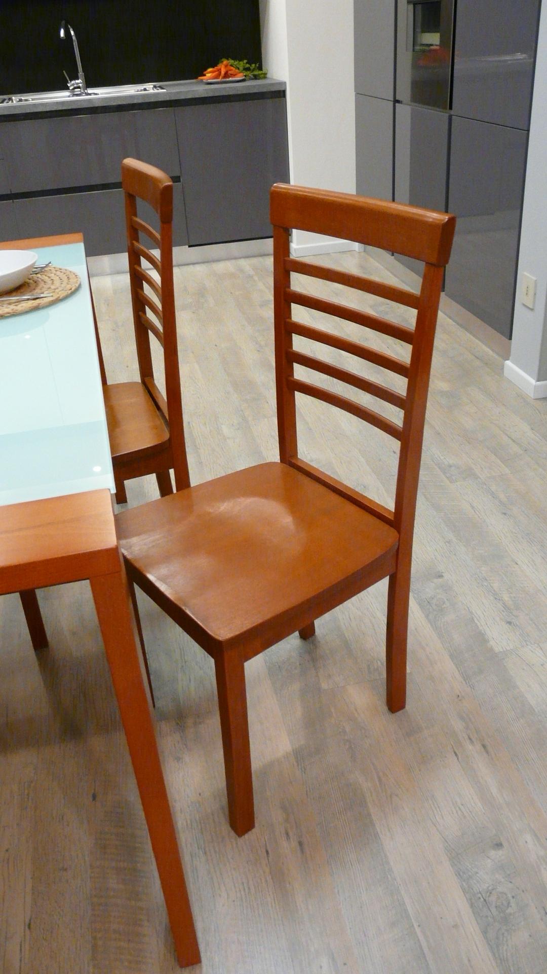 Tavolo in ciliegio con quattro sedie tavoli a prezzi for Sedie da tavolo