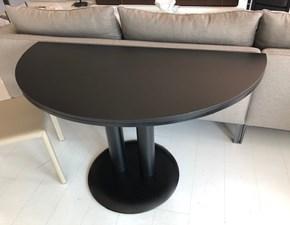 Tavolo in laccato rotondo Stilwood nero Cassina in Offerta Outlet