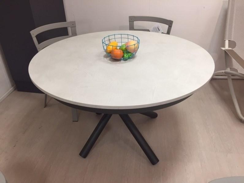 Tavolo in laminato rotondo fahrenheit altacom in offerta for La forma tavoli