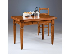 Tavolo in legno allungabile in stile schiabbi chic