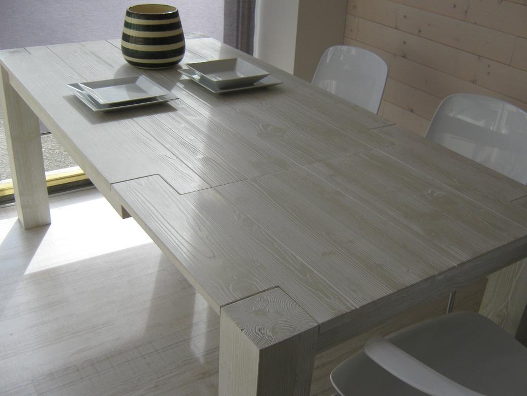 Tavolo allungabile in legno in promozione scontato del 43 for Tavolo 140x140