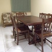 Tavolo in legno massello allungabile corredato di 6 sedie in promozione