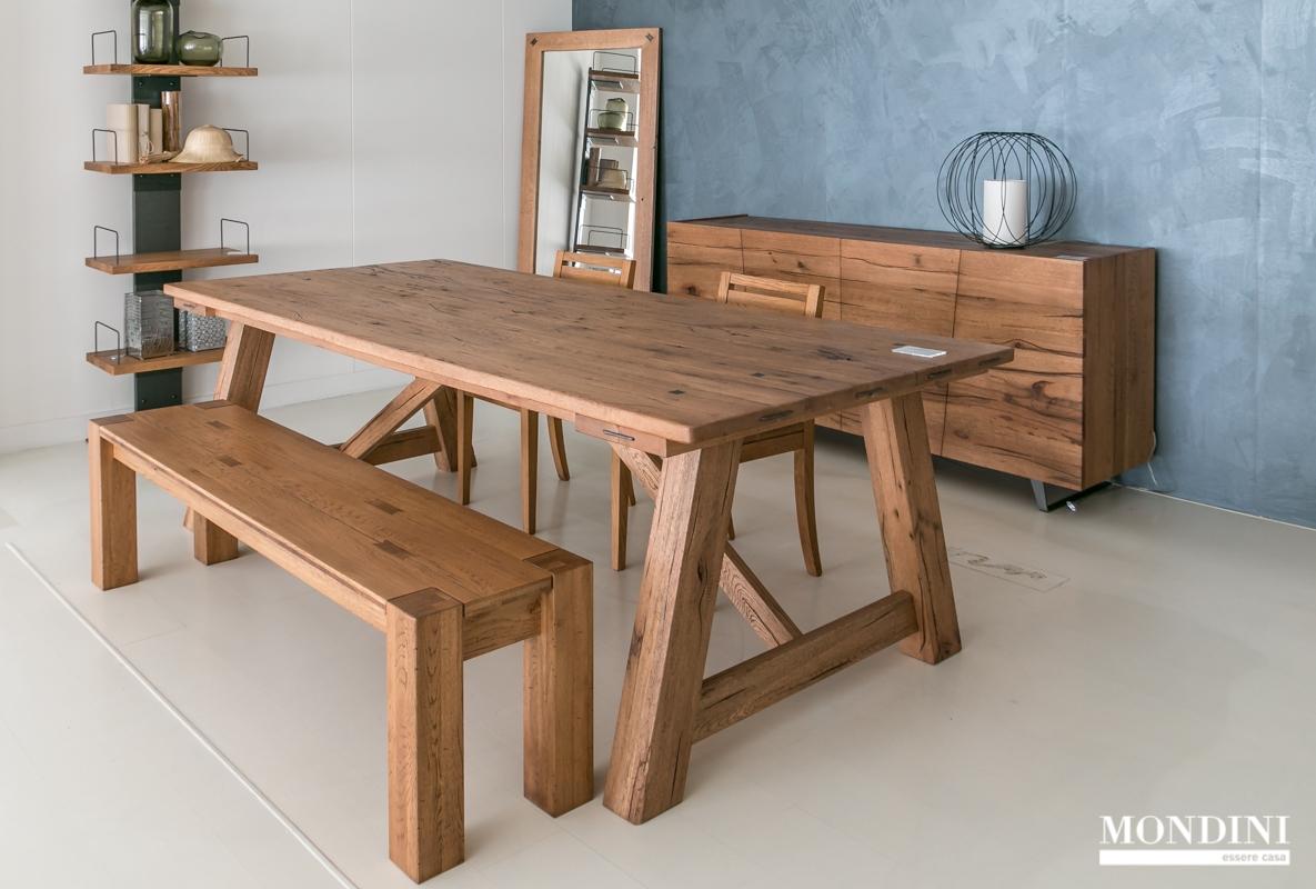 Tavolo in legno massello Devina Nais scontato del 28% - Tavoli a ...