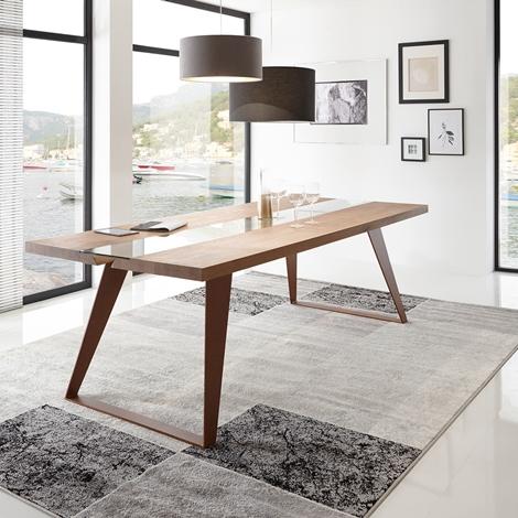 Tavolo in legno massello e gambe in metallo tavoli a for Tavolo legno metallo